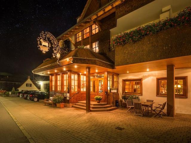 Hotel-Restaurant-Vinothek Lamm Außenansicht