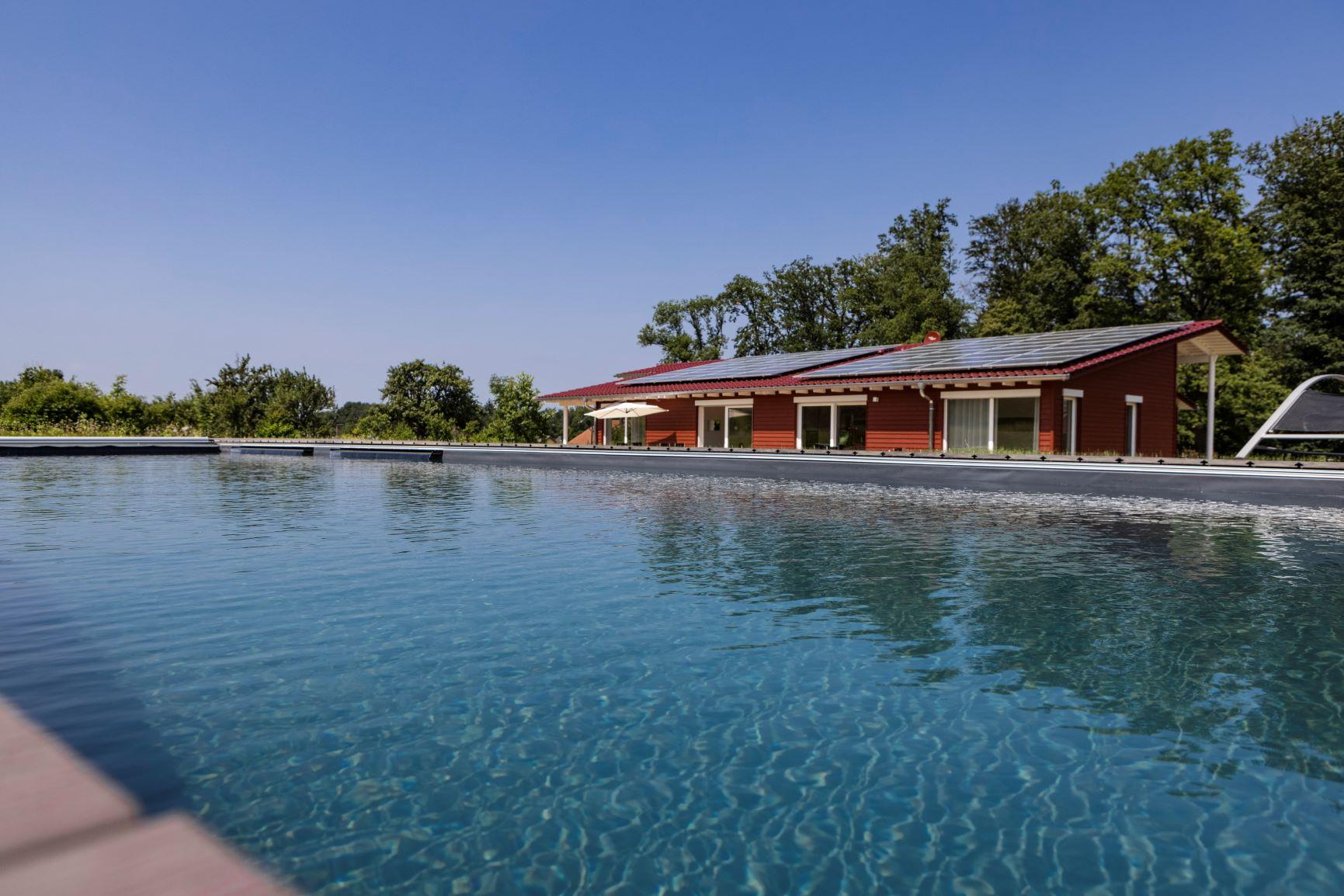 Ferienwohnungen mit Pool
