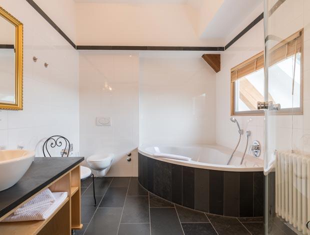 Badezimmer im Hotel Restaurant Vinothek LAMM